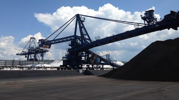 Deponija premoga v Luki Koper.