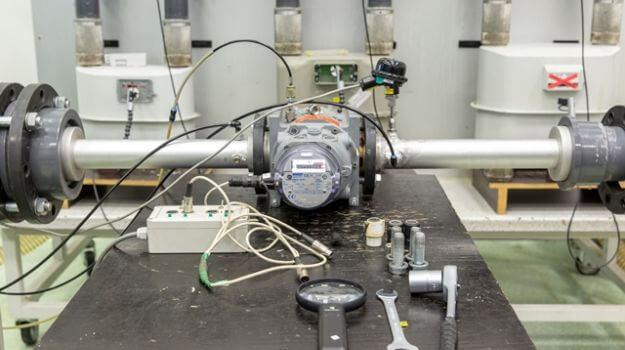 Izvajanje kontrole rotacijskega plinomera.